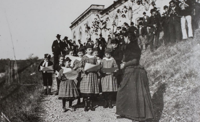 La Regina Margherita in visita al villaggio